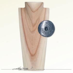 Céramique_Broc e_Bouclier-Neptune-01_85mm_01_ElizaLutz