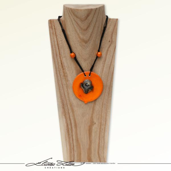 Céramique_Collier_Bouton d'or_orange argent_01_ElizaLUTZ