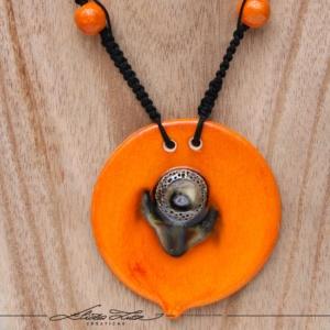 Céramique_Collier_Bouton d'or_orange argent_04_ElizaLUTZ