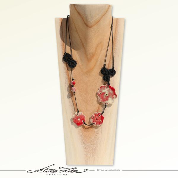 Céramique_Collier_Fleur Rouge_01_ElizaLutz