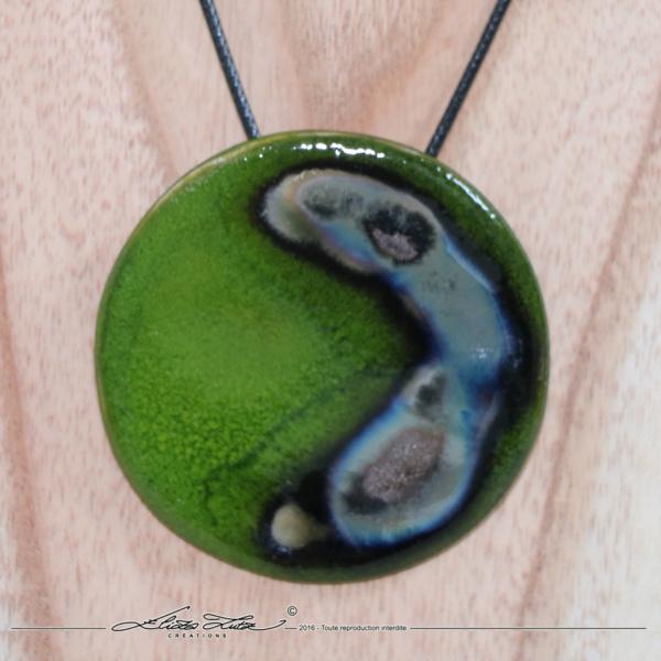 Céramique_Collier_Nebuleuse vert prairie_65mm_03_ElizaLutz