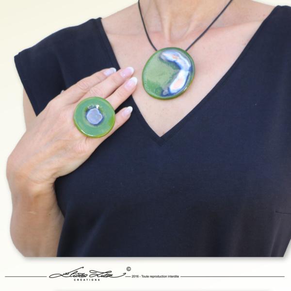 Céramique_Collier_Nebuleuse vert prairie_65mm_05_ElizaLutz