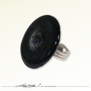 Ceramique_Bague_Camomille Noire 01_35mm_01_ElizaLutz